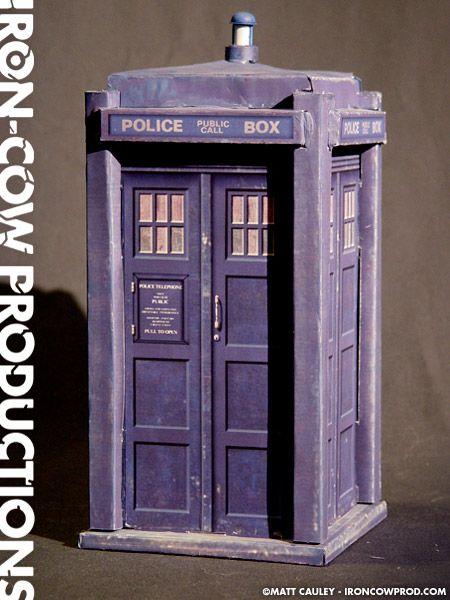 Iron-Cow Productions » The TARDIS Pepakura