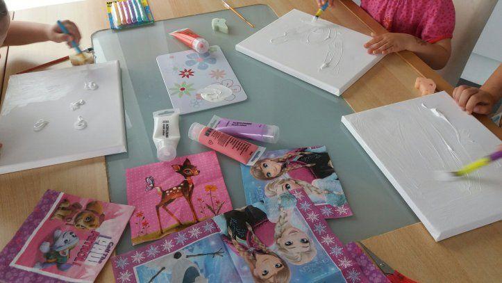 Kinderzimmer Deko DIY // Serviettentechnik auf Leinwand