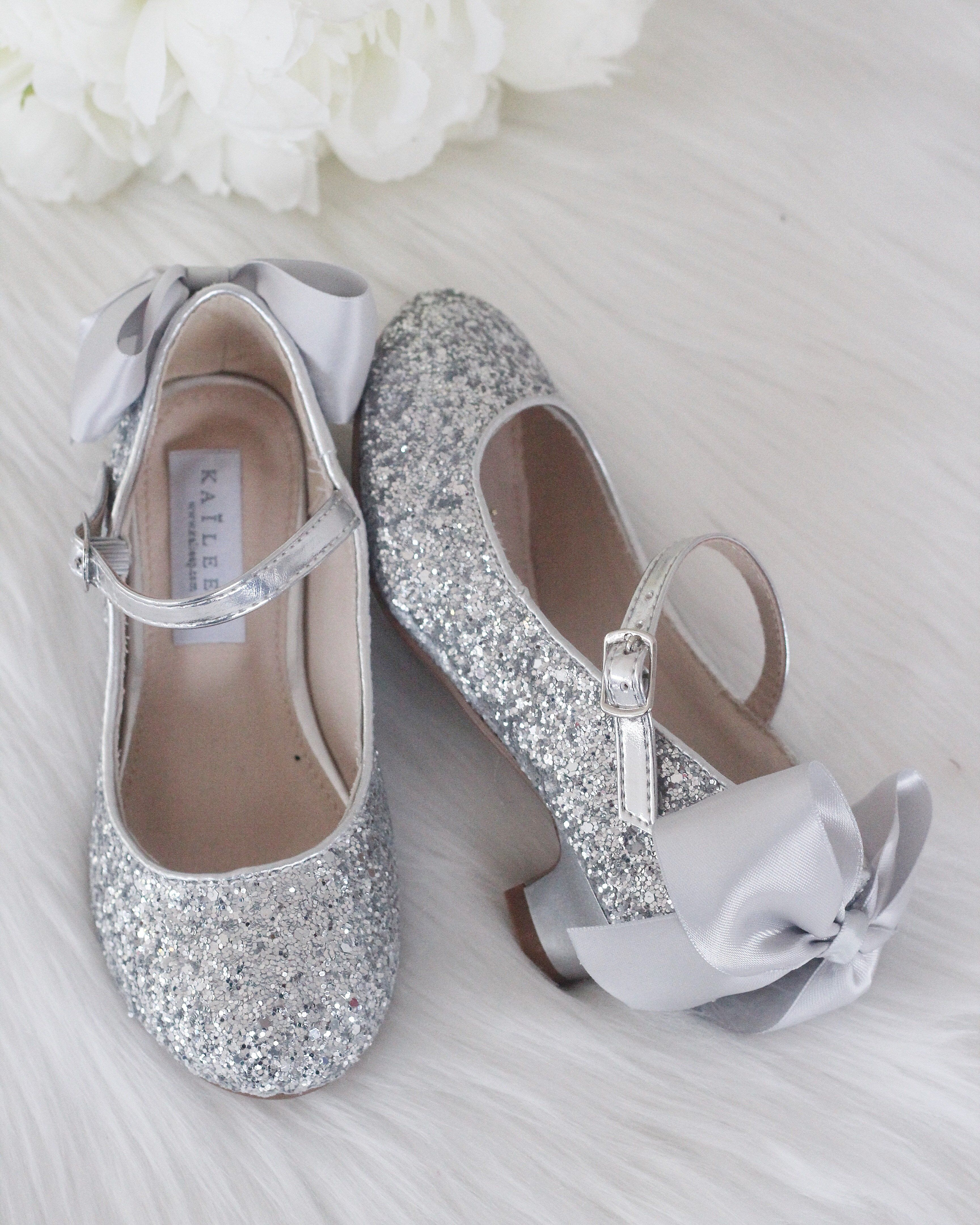 6e58acee3b81 US $32.83 |2015 new Shiny Pearls kids Wedding Party girls shoe Summer  Sandals girls Princess Shoes children's high heels free shipping #357-in  Sandals from ...