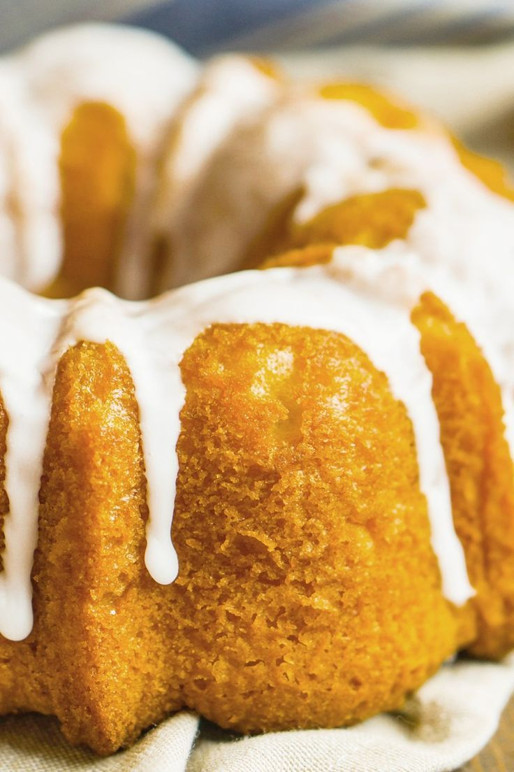 Banana pudding cake dessert recipe with yellow cake mix