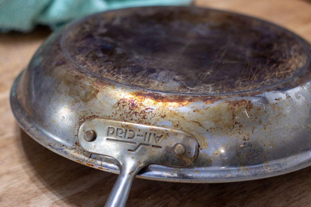 a48bc7e6fb272576f4cc9aa2ab3e88da - How To Get Baked On Grease Off Metal Pans