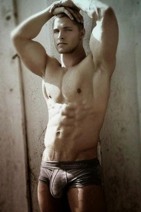 gay bulges pics