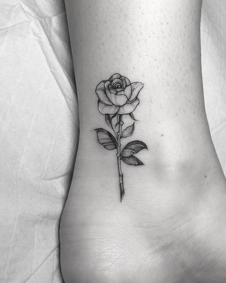 20 Pretty Rose Tattoo Ideas For Women To Copy 2020 | Women Fashion Lifestyle Blog Shinecoco.com