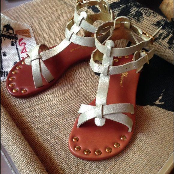 Matt Bernson gladiator sandals boutique find from The Vineyards gold size 7 soft genuine leather Shoes Sandals