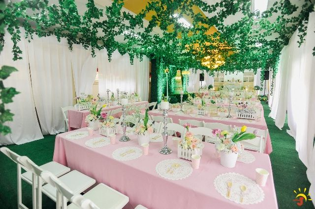 Cailey S Posh Garden Themed Party 1st Birthday Indoor Garden Party Birthday Party Venues Party Themes