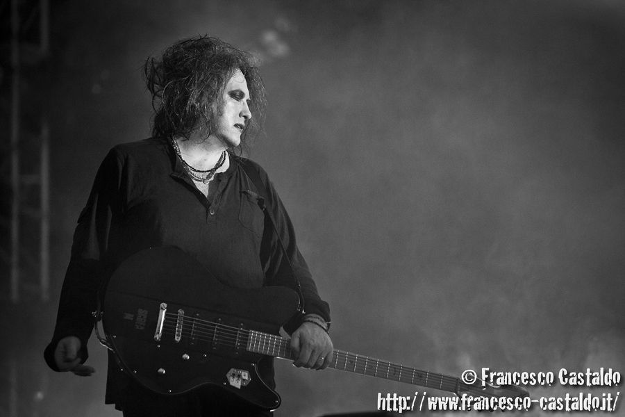 the cure tour 2019 - 900×600