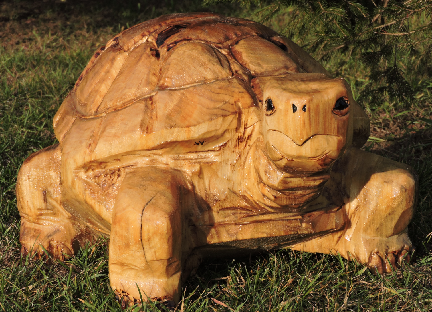 Tortoise chainsaw carving art yard decoration