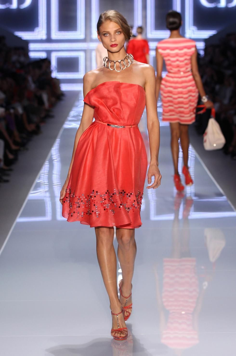 Christian-Dior-Spring-Summer-2012-Ready-to-wear-23.jpg (980×1480)