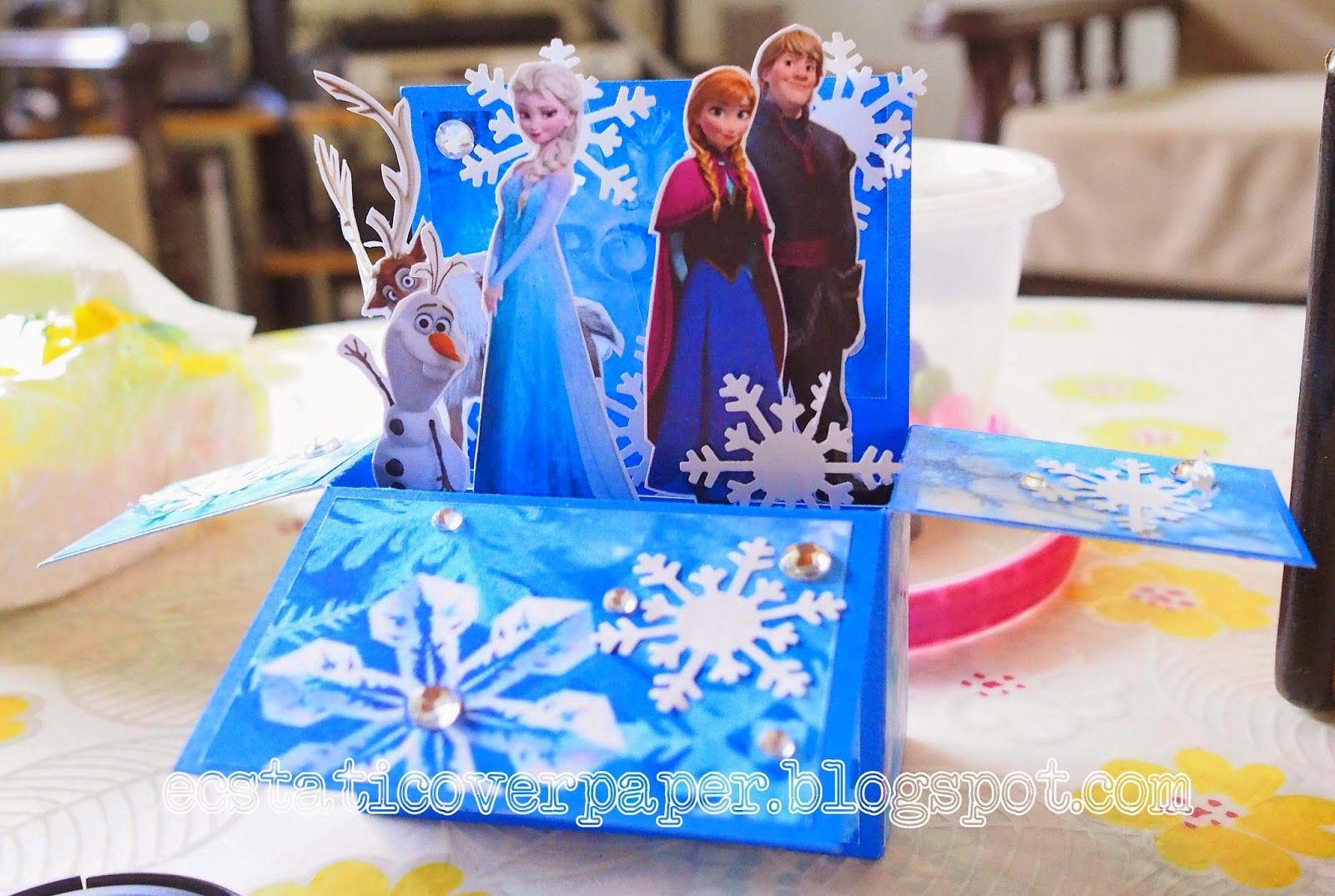 ecstatic over paper: Card in a Box - Frozen Theme