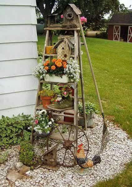 Cute weathered ladder idea.