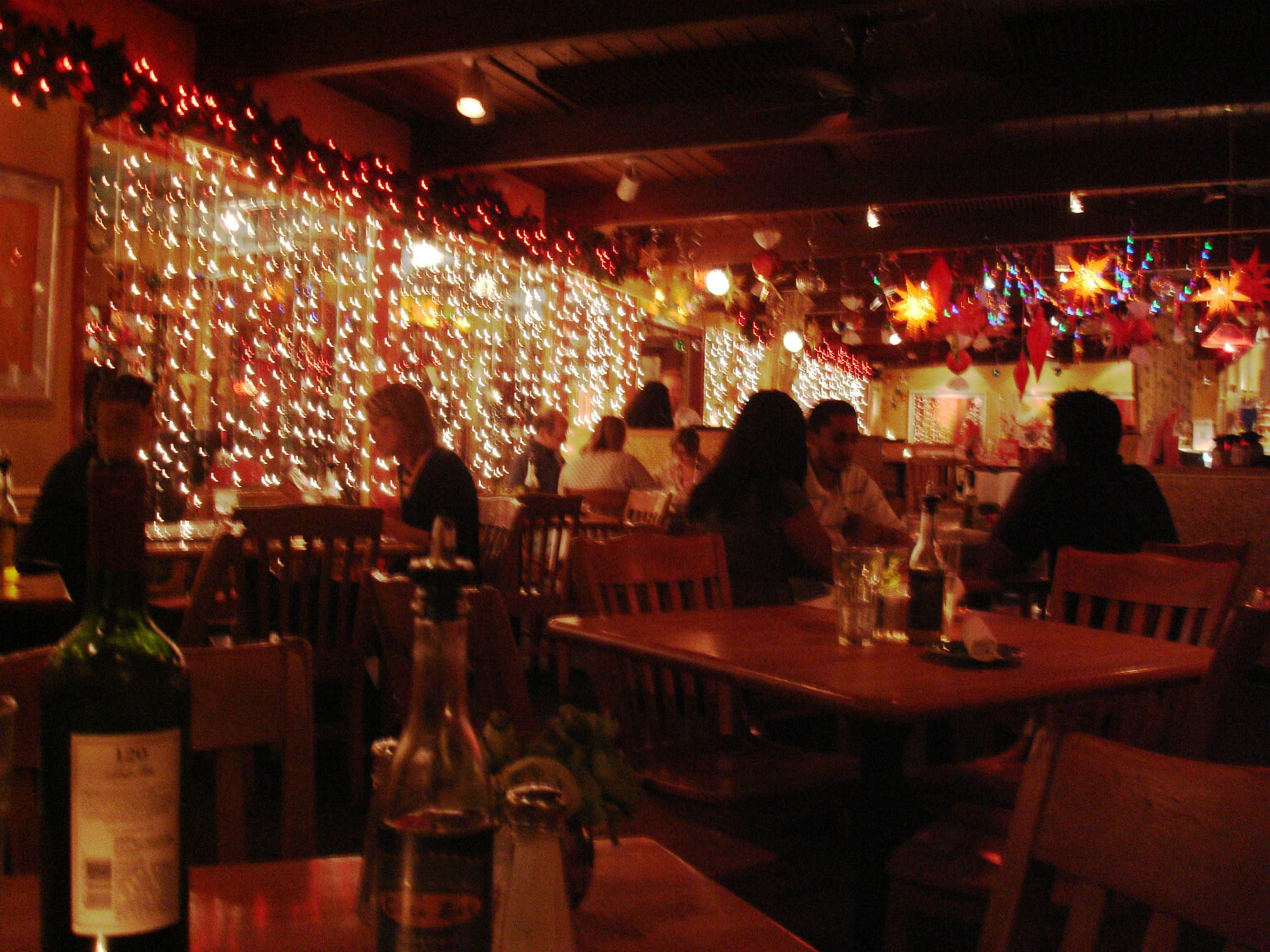 Austins 9 Best Date Night Restaurants Food And Beverage