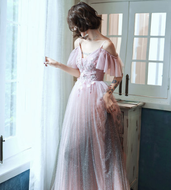 Pin On فساتين الحفلات Party Dresses