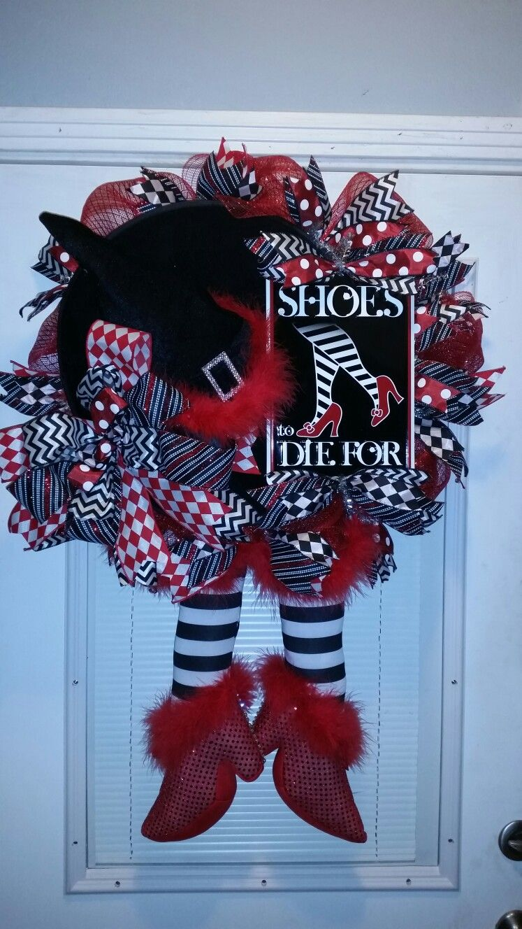 Ruby halloween wreath jillybeez buzzing with crafts wreaths and more facebook.  Red white and black ribbons velvet hat feathers metal sign