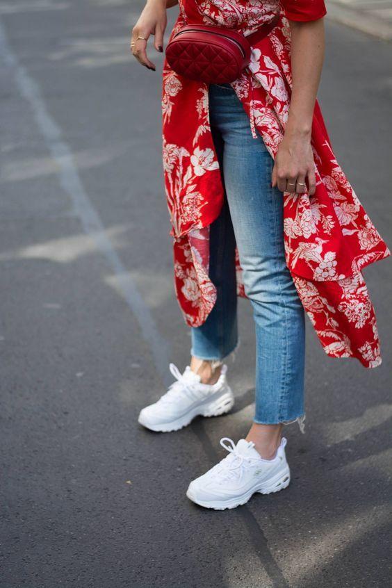 Outfits Con Tenis Fila En 2020 Look Con Tenis Jeans Y Zapatillas Vestidos Con Tenis