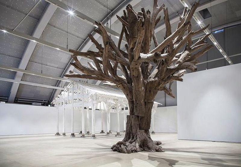 Ai Weiwei- Valkoinen talo- 2015 ja Puu- 2010.jpg (800×556)