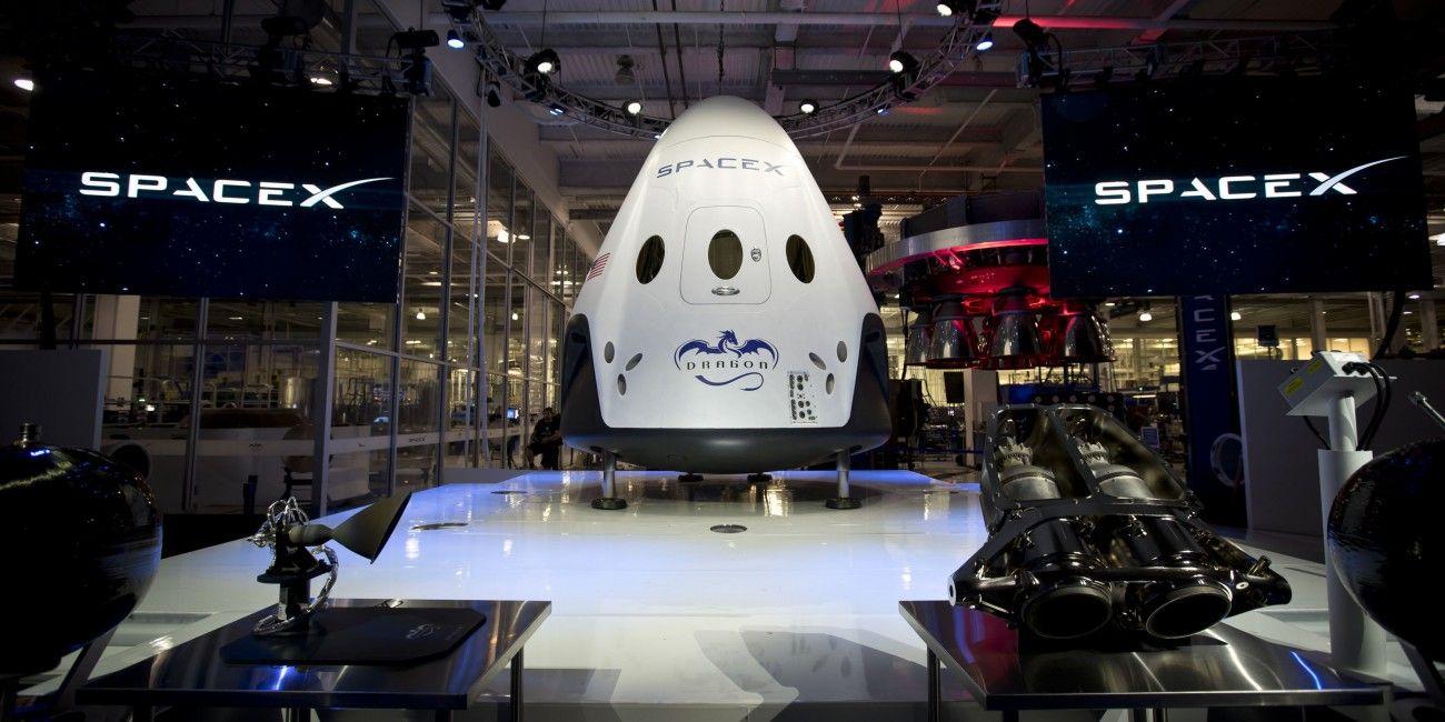 # видео| Огневые испытания двигателей космического корабля SpaceX Dragon V2 - http://russiatoday.eu/video-ognevye-ispytaniya-dvigatelej-kosmicheskogo-korablya-spacex-dragon-v2/          Компания SpaceX опубликовала сегодня видео огневых испытаний своего нового космического аппарата Dragon V2. Задача испытания заключалась �