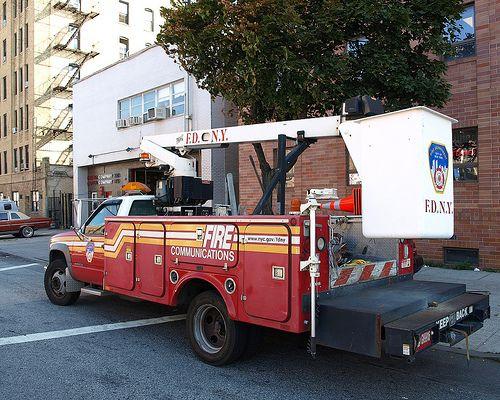 Bensonhurst Car Service >> Fire Communications Truck At Fdny Firehouse Engine 330