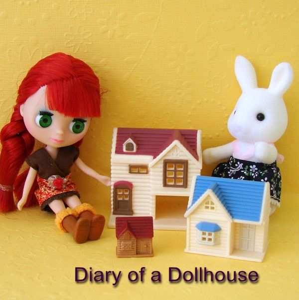 Tiny Calico Critters Dollhouses for Littlest Pet Shop Blythe - play time with Susie Snow Bunny
