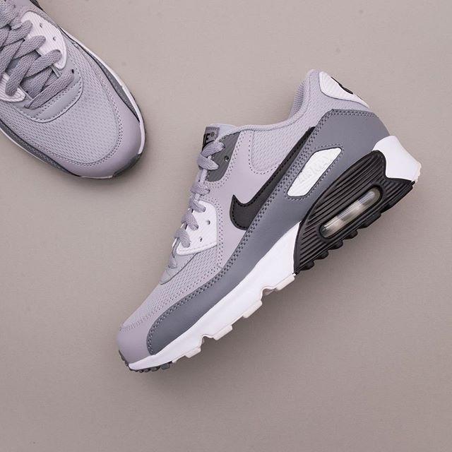 reputable site 7b8ce 8e9a0 Nike Air Max 90 Mesh GS - 833418-024 •• En grymt fin Air Max GS i storlekar  35,5-40 för 1049kr ••  nike  airmax90  footish