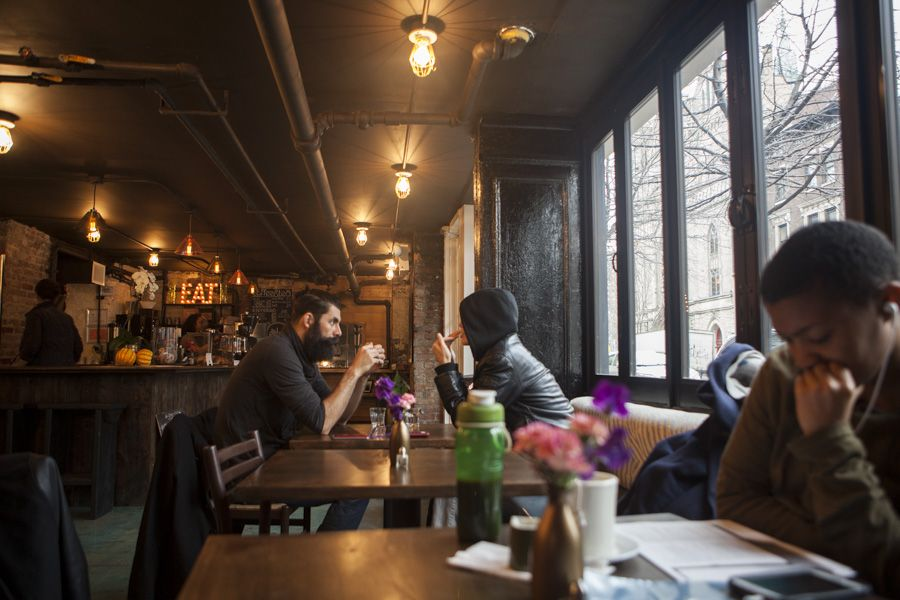 Grab A Seat At The Edge Cafe In Harlem With Images Harlem