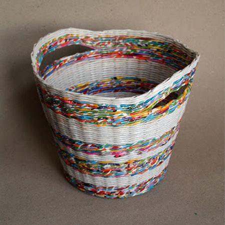 make rolled newspaper wicker baskets diy pinterest newspaper
