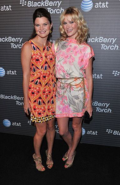 52b2037e4bfab1 Heather Tom and her sister Nicholle Tom.   Sisters   Heather tom ...