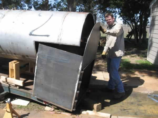 The Smoker King 1000 Gallon Propane Tank Bbq Smoker Build Bbq Smokers Propane Tank Grill Smoker