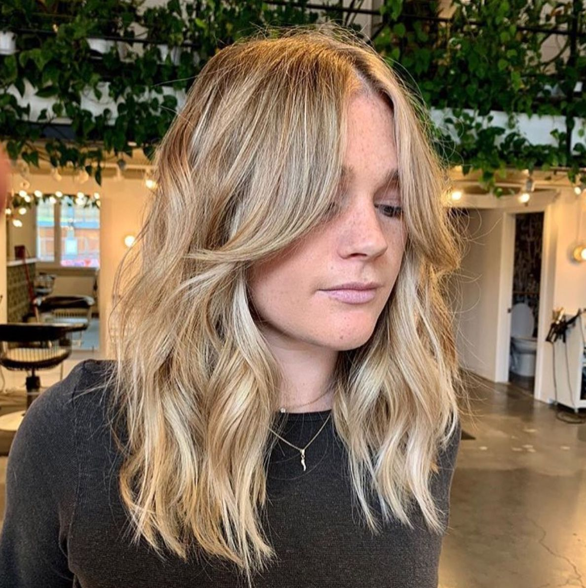 The Most Classic Mid Length Haircuts In 2020 Midlength Haircuts