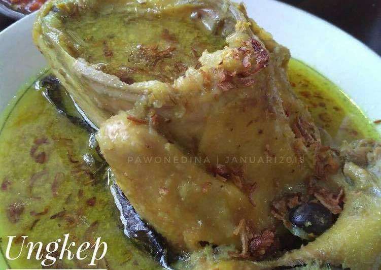 Resep Ungkep Ingkung Ayam Kampung Oleh Pawone Dina Resep Resep Ayam Resep Masakan Indonesia Makanan