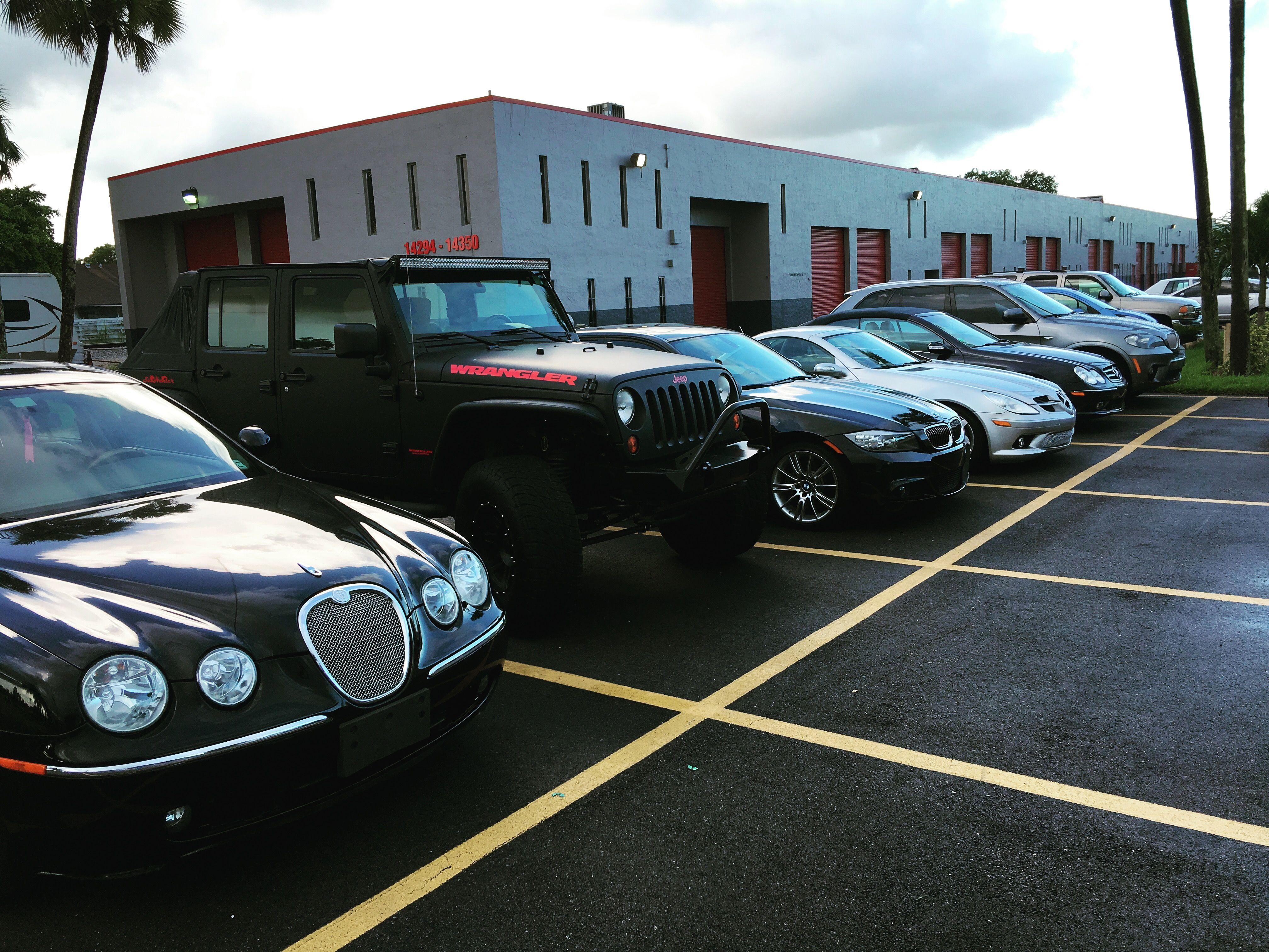 Full house today! #jaguar #jeep #bmw #mercedesbenz #cars #autos #autorepair #prestigeautotech
