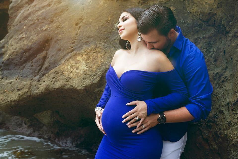 venta minorista a3af6 38da2 Emerlie Gown   vestidos embarazada   Fotos de embarazadas ...