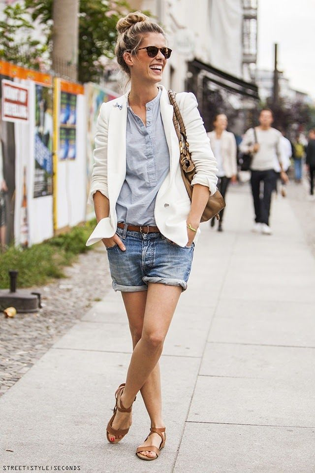 STREET STYLE SECONDS: WHITE BLAZER STYLISH MINGLING | people ...