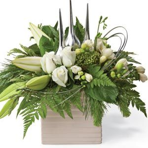 Interflora Interflora is Australia's leading online provider of fresh-cut flowers, floral bouquets and special gift baskets for any occasion. Order flowers and special gifts online through our secure real time payment gateway. You can purchase flowers and special gifts from us with complete confidence.