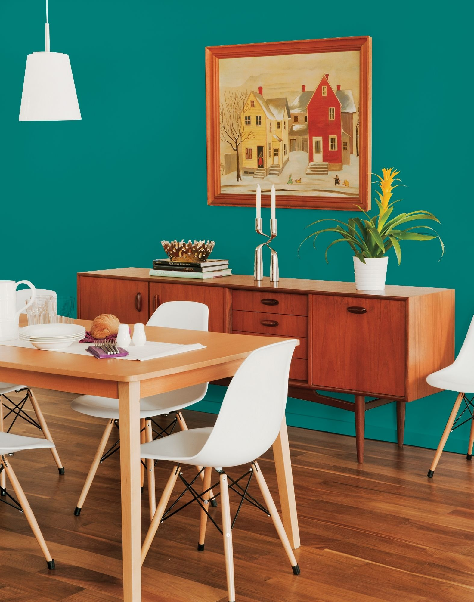 This delicious tropical deep-toned aqua is a lovely color ...