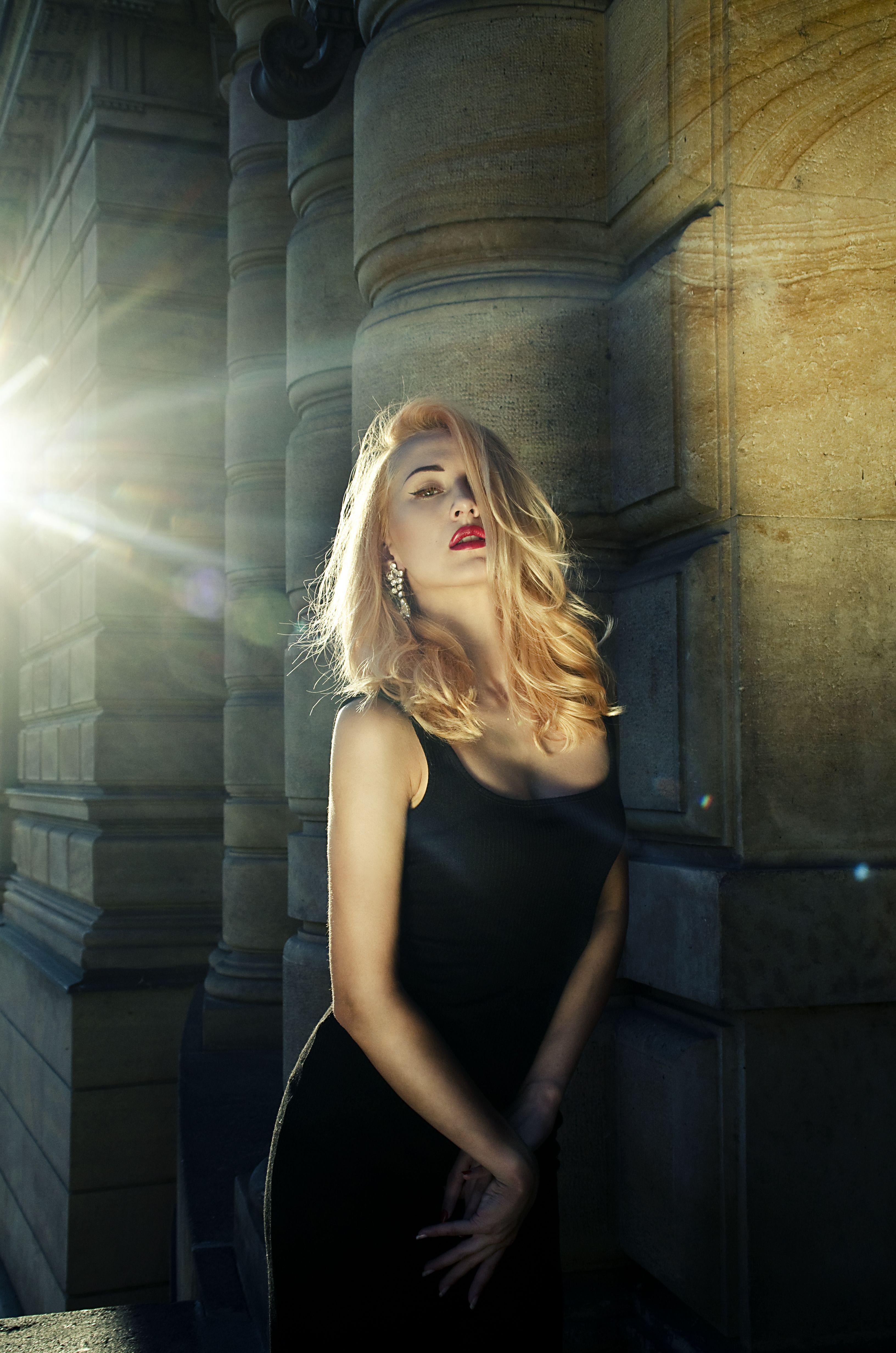 Spontaneous photo session with hot Anna Mimieux By Koki9
