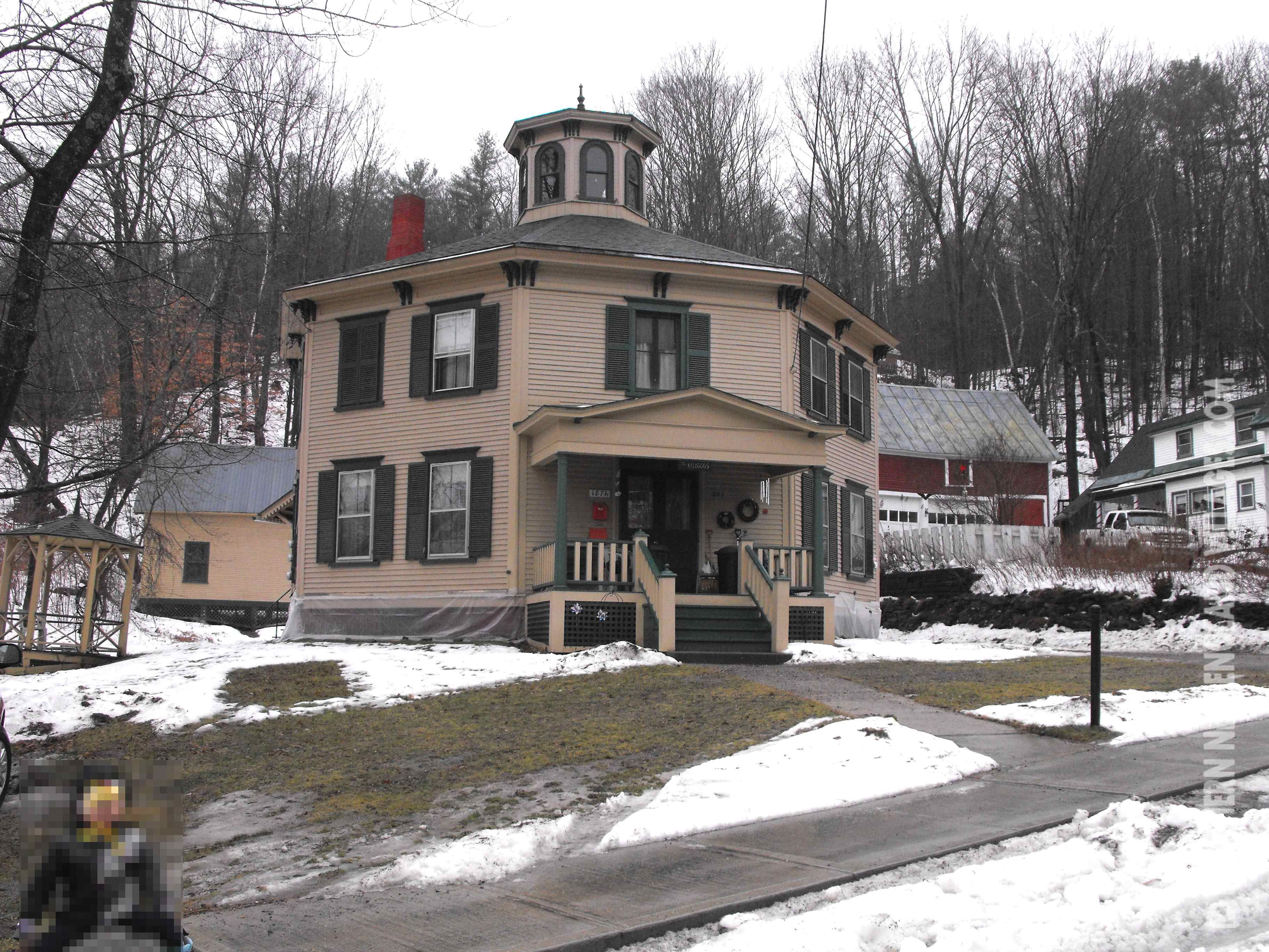 Picture Of The Kellogg Octagon House In St Johnsbury Vermont