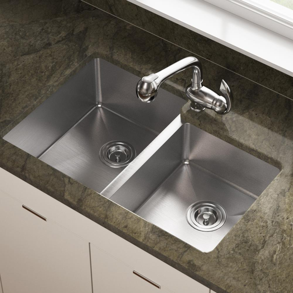 A Large Deep Bowl And A Smaller Shallower Prep Bowl Feature Tight Smooth 3 4 Radius Corners And Undermount Kitchen Sinks Stainless Steel Kitchen Sink Sink