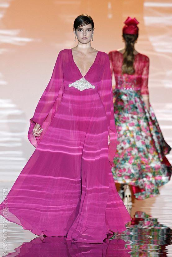 Tendencias Gaudí: Vestidos túnica de fiesta www.webnovias.com/blog