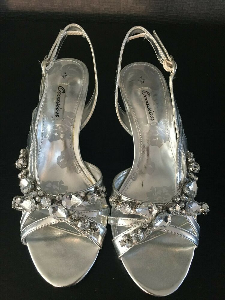 Women S Silver Strappy Kitten Heeled Shoes Size 4 With Embellishment Worn Once Kitten Heels From Ebay Uk Kitten Kitten Heel Shoes Kitten Heels Shoes Heels