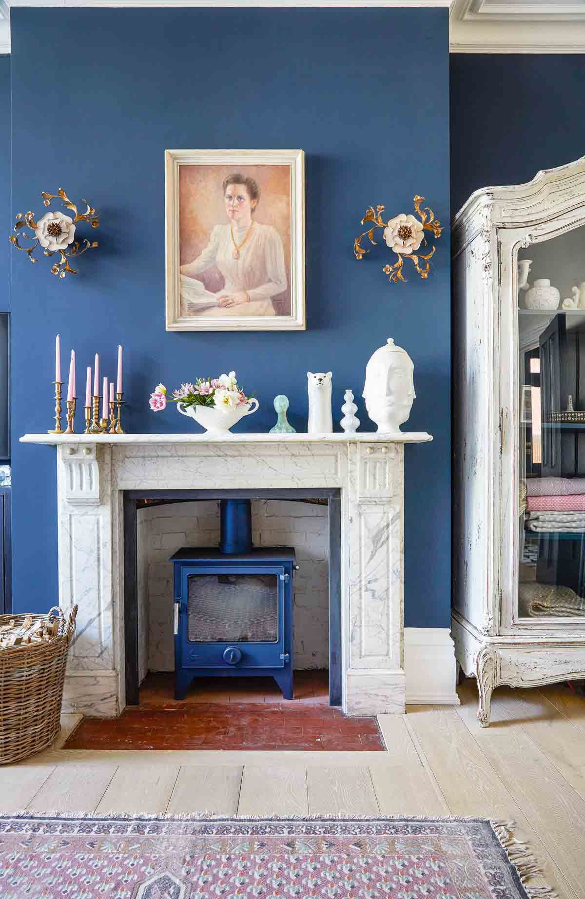 Cheminee Moderne Bleue Explore A Pastel Coloured Quirky Victorian Terraced House In Kent
