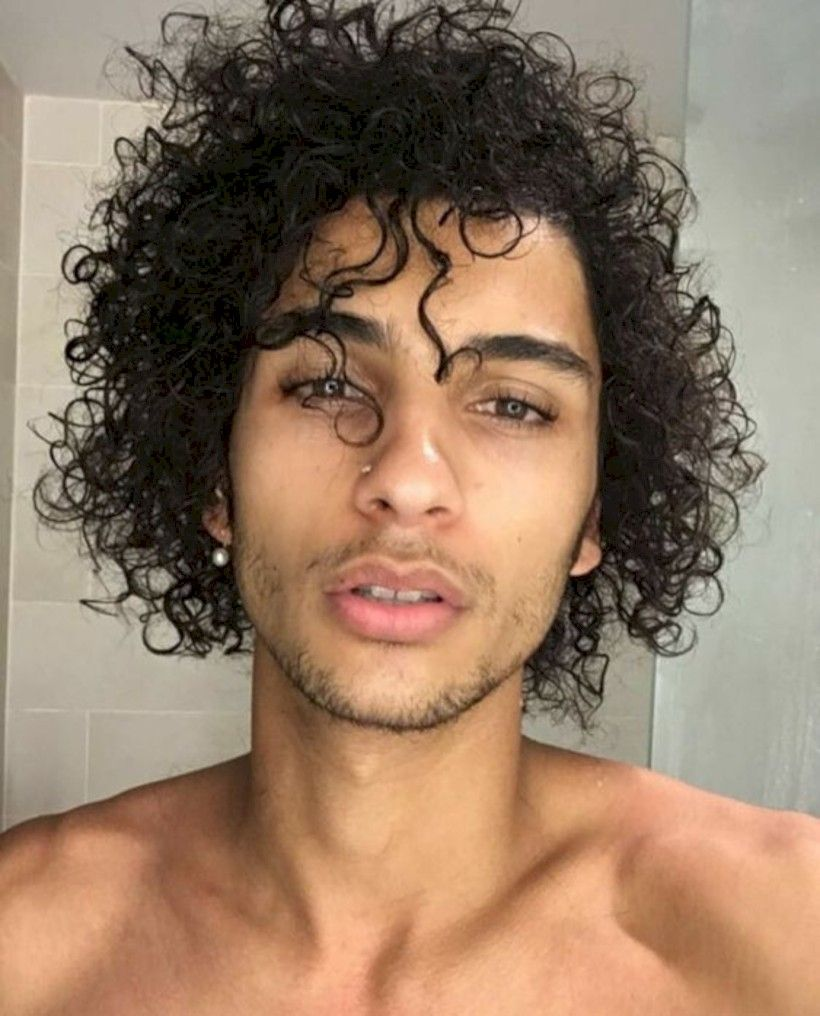 35 Best Curly Hairstyle For Men White Skin Attireal Com Curly Hair Styles Curly Hair Men Mens Facial Hair Styles