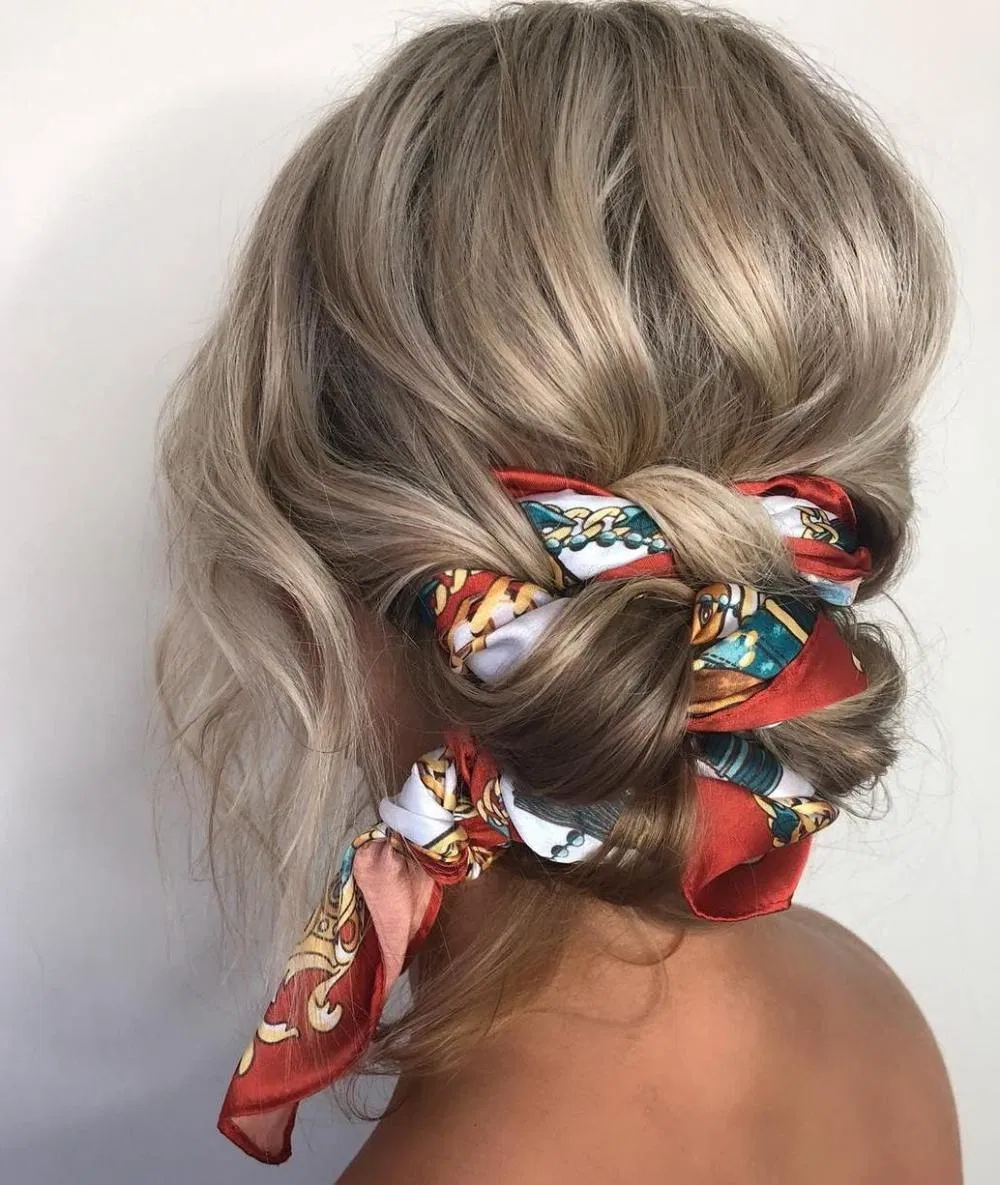 10 Ideas for Boho-Chic Messy Buns to Pin and Recreate