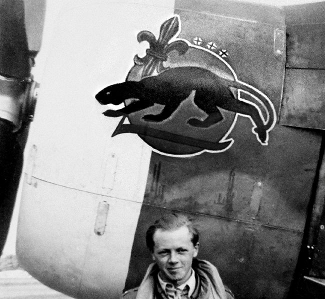 Lt. Aubrey Stanhope and his Thunderbolt WD-O. The P-47C-2-RE's serial number was 41-6233. (4FG nose art - The Official Site of the 4th Fighter Group - World War II)