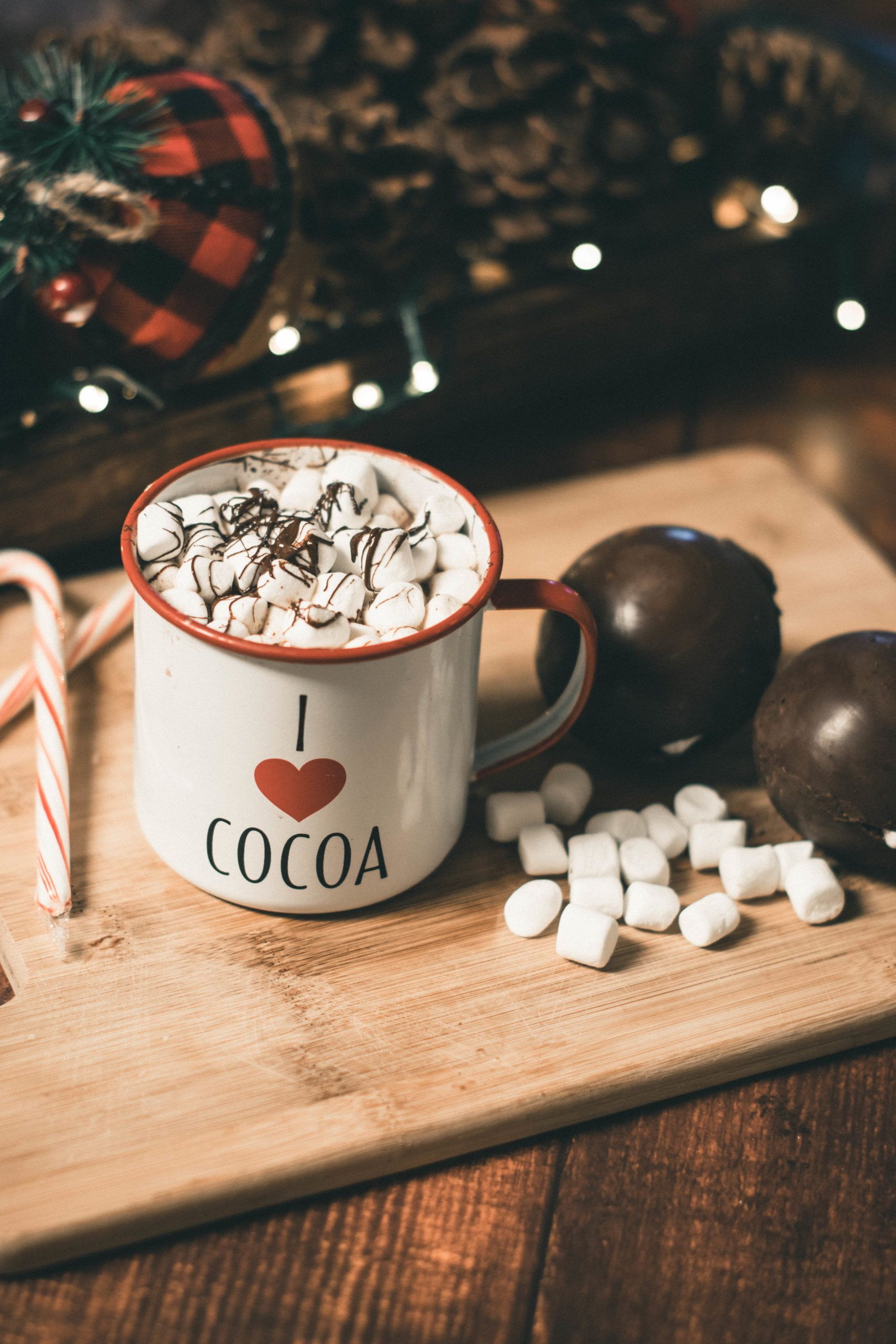 Hot Chocolate Bombs in 2020 Chocolate bomb, Hot
