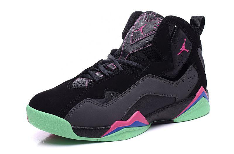 CONFORT SUPERIEUR ET DURABILITÉ La chaussure Air Jordan 7 Retro Women est  une réincarnation qui continue