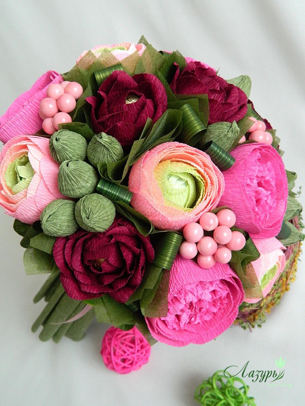 Пионы, букет английских роз из конфет
