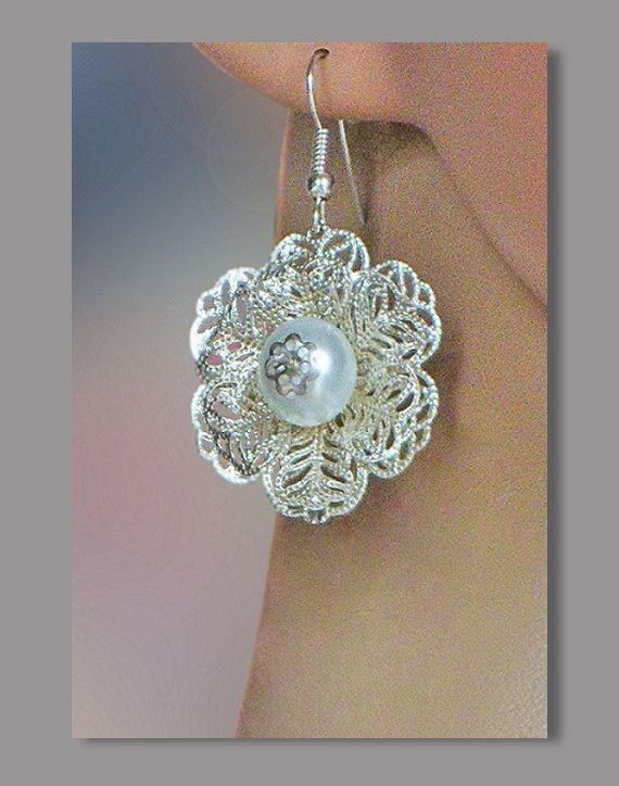 Elegant earrings with pearls in the form of openwork от Lybid