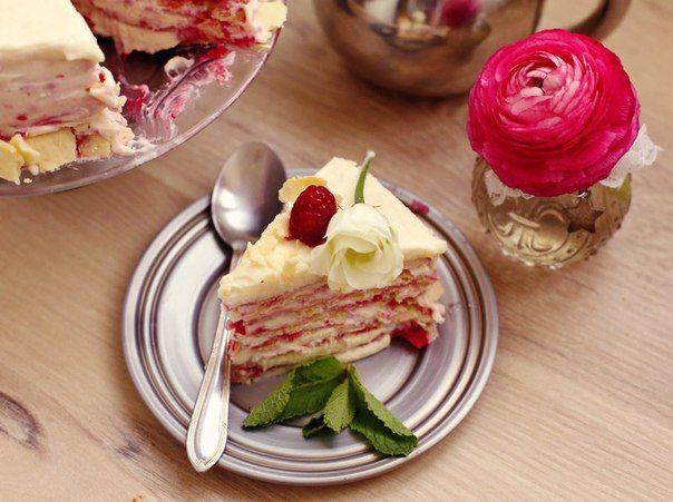 NAPOLEON CAKE WITH RASPBERRIES!