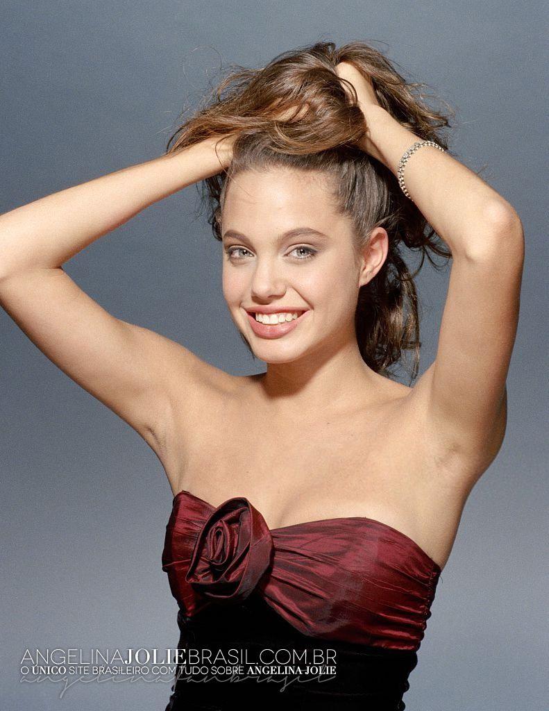 Hollywood Actress Angelina Jolie Armpit Show Photos