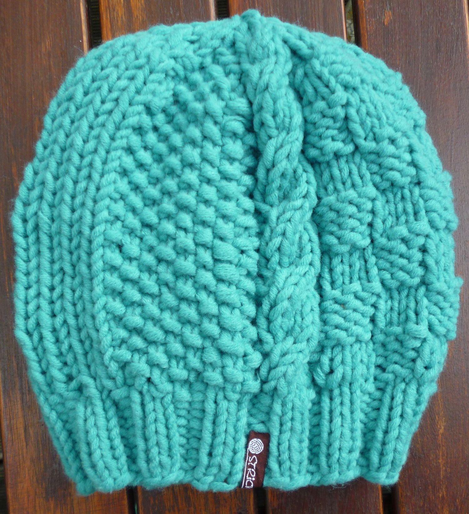 Die Anleitung für diese Mütze findest du hier http://stricklinge.de ...